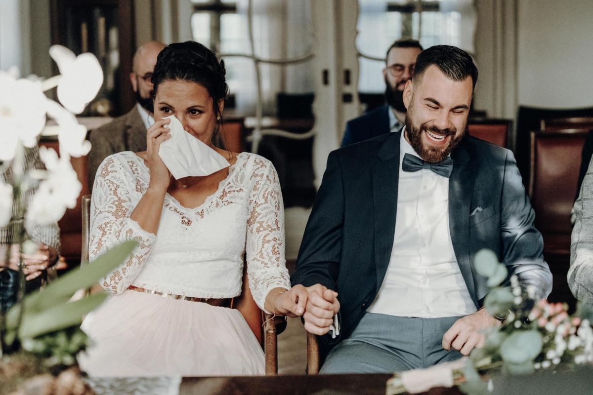 emotionales Hochzeitspaar Hochzeitsfotograf Düsseldorf