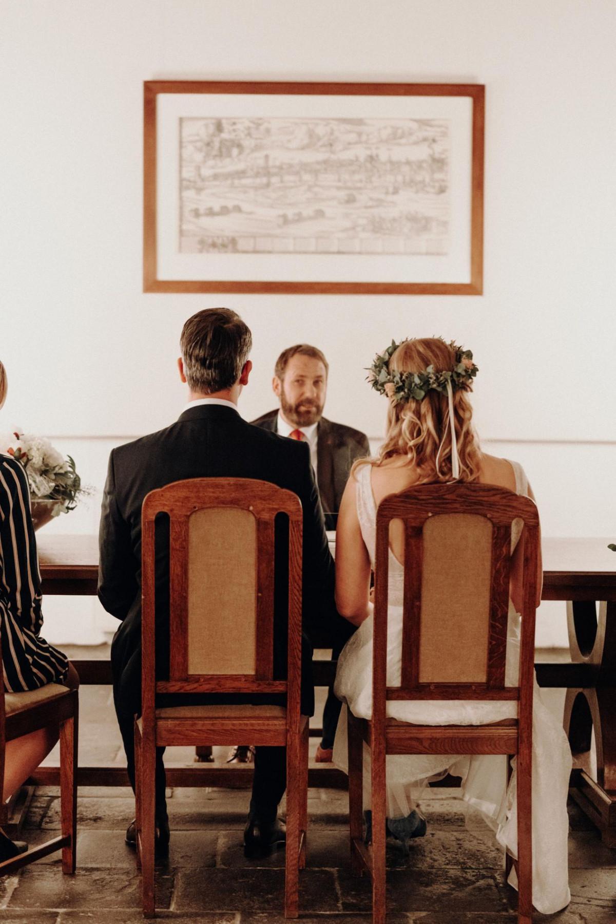 Hochzeitspaar gibt sich das Ja-Wort