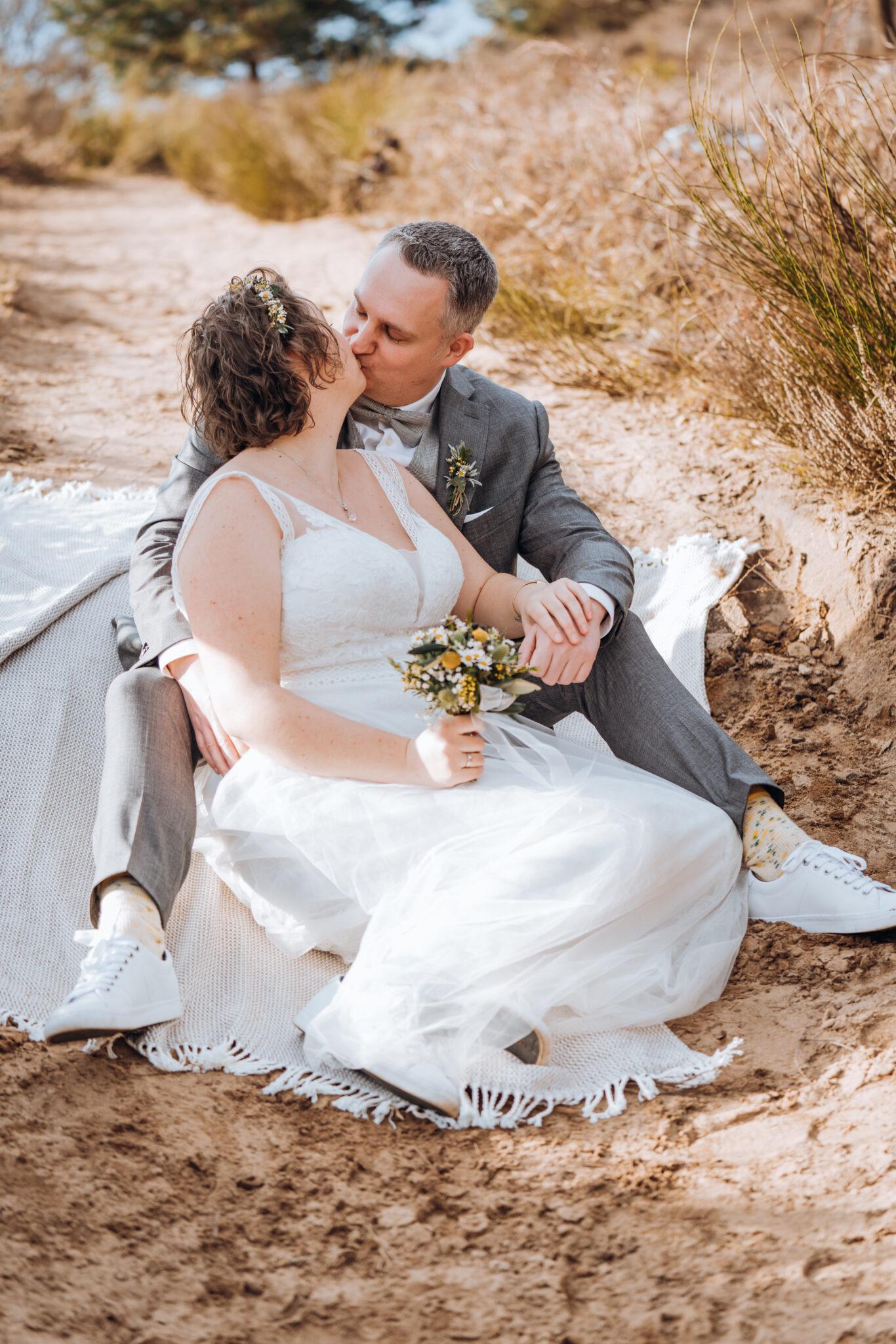 Hochzeitspaar am Altar